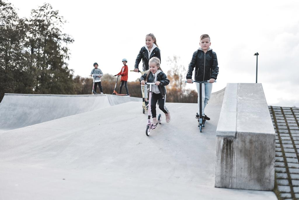 Järvenpäässä Rantapuistossa on suosittu skeittiparkki.