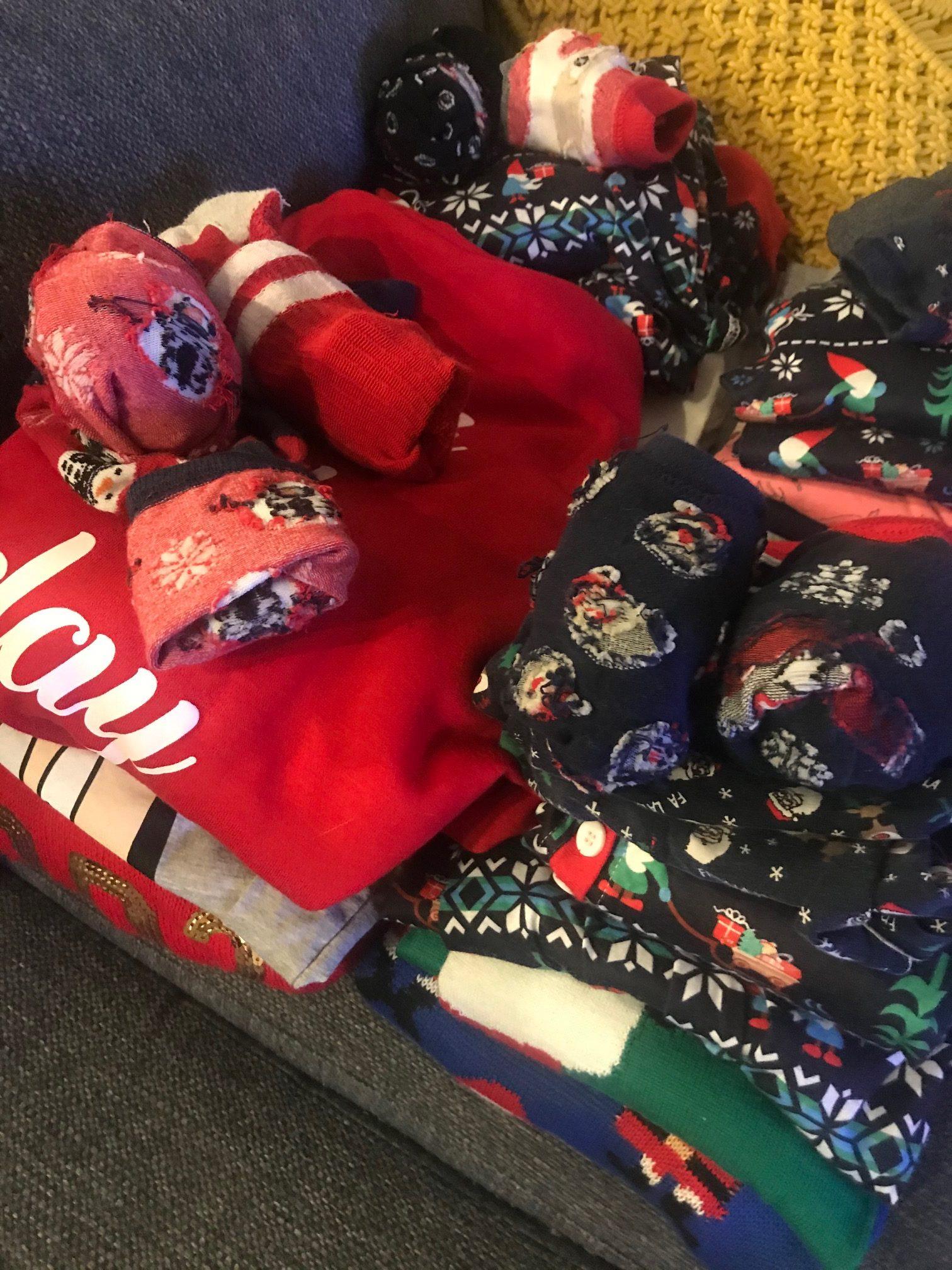 Shoppailupaheeni, erilaiset jouluvaatteet.